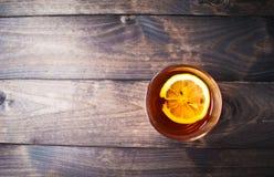 Tazza di tè con il limone Fotografia Stock Libera da Diritti
