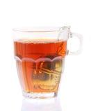 Tazza di tè con il setaccio. Immagine Stock