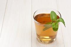 Tazza di tè con la menta Immagini Stock