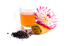 Tazza di tè di erbe con il fiore Immagine Stock Libera da Diritti