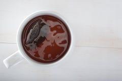 Tazza di tè e bustina di tè immagini stock libere da diritti
