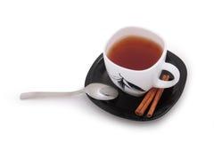 Tazza di tè e di cannella fotografie stock libere da diritti