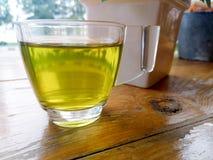 Tazza di tè verde immagine stock