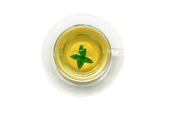 Tazza di tè verde con la menta, primo piano, fuoco selettivo Fotografie Stock Libere da Diritti