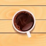 Tazza di vetro bianca con il caffè del tè nero su workt di legno Immagine Stock Libera da Diritti