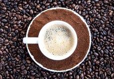 Tazza e fagioli di caffè Fotografia Stock Libera da Diritti