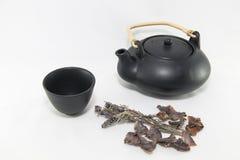 Tazza nera di tè con salvia Fotografia Stock