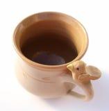 Tazza o tazza della ceramica di arte fotografie stock libere da diritti