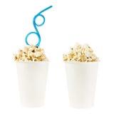 Tazza in pieno di popcorn isolato Immagini Stock Libere da Diritti