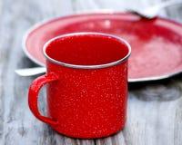 Tazza rossa dello stagno Fotografia Stock