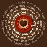 Tazza rossa di cuore in cappuccino Fotografia Stock