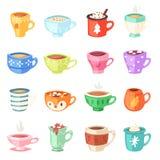 Tazze cupful caldo del tè o del caffè dei bambini di vettore della tazza del fumetto sulla prima colazione e sulle forme varie de royalty illustrazione gratis