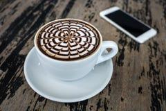 Tazze del caffè della moca sulla tavola di legno Fotografia Stock Libera da Diritti