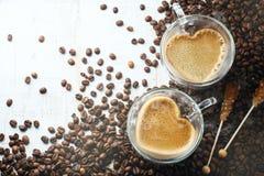 Tazze di caffè in forma di cuore Fotografie Stock Libere da Diritti