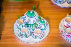 Tazze di tè fatte a mano della porcellana di stile tailandese d'annata messe Insieme ceramico della tazza di tè bella di porcella Immagini Stock Libere da Diritti