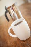 Tazze e tuffatore bianchi del caffè fotografia stock
