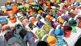 Tazze per la vendita della via Fotografia Stock