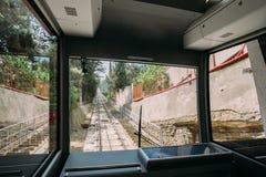 Tbilisi Γεωργία Άποψη από την καμπίνα Funicular στην ευθεία ράγα Τ Στοκ εικόνες με δικαίωμα ελεύθερης χρήσης
