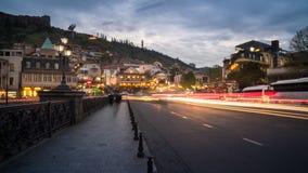 13 04 2018 Tbilisi, Γεωργία - άποψη νύχτας του Tbilisi, ο φωτεινός Στοκ Φωτογραφία