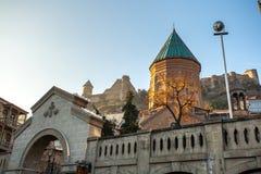 Tbilisi, Γεωργία - 18 Ιουλίου 2015 Άποψη ΧΙΙΙ αιώνα ST George στοκ εικόνα