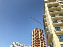 TBILISI, ΓΕΩΡΓΙΑ - - 17 ΜΑΐΟΥ 2018: Κατασκευή νέες υψηλές κατοικημένες πολυκατοικίες στο Tbilisi, Γεωργία Στοκ Εικόνες