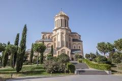 Tbilisi Η ιερή τριάδα Tsmind Sameba ναών στοκ φωτογραφία