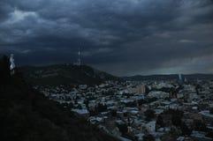 tbilisi Ansicht der Stadt und des Monuments zur Mutter von Georgia vom Hügel Stockbild