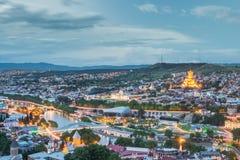 Tbilisi bij nacht, Gorgia Stock Foto