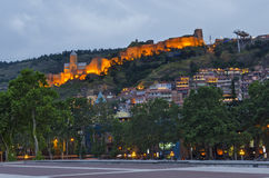 Tbilisi en la oscuridad Fotos de archivo