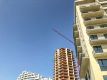 TBILISI, GEÓRGIA - - 17 DE MAIO DE 2018: Construção do prédios de apartamentos residenciais altos novos em Tbilisi, Geórgia Foto de Stock