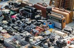TBILISI, GEORGIË - 6 Augustus 2016 - Oude camera's in een markt Stock Afbeelding