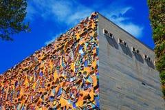 Tbilisi Georgia - 19 April, 2017: Byggnadsfasad av salongen av den industriella tekniska högskolan på David Royaltyfria Bilder