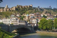 Tbilisi Georgia - Juli 2, 2018: Sikt på Tbilisi den gamla staden, Georgia Royaltyfri Fotografi