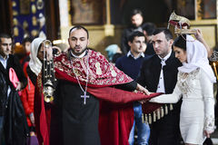 Tbilisi Georgia, November 16, 2014: Georgisk ortodox präst du Arkivfoto