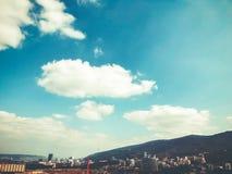 TBILISI GRUZJA, KWIECIEŃ, - 06, 2018: Widok na brudnej budowie w Tbilisi, Gruzja Fotografia Stock