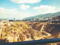 TBILISI GRUZJA, KWIECIEŃ, - 06, 2018: Widok na brudnej budowie w Tbilisi, Gruzja Obraz Royalty Free