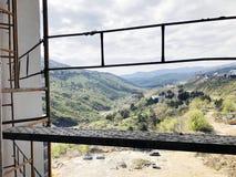 TBILISI GRUZJA, KWIECIEŃ, - 06, 2018: Widok na brudnej budowie w Tbilisi, Gruzja Zdjęcia Stock