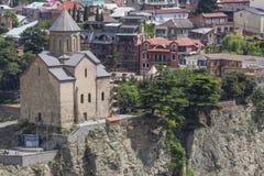 TBILISI GRUZJA, MAJ, - 07, 2016: Most nad rzeką Tbilis Zdjęcia Stock