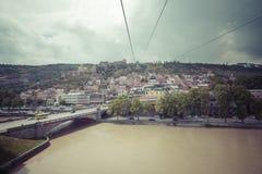 TBILISI GRUZJA, MAJ, - 07, 2016: Most nad rzeką Tbilis Zdjęcie Stock