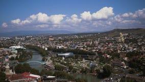 Tbilisi, Gruzja Widok Najlepszych Punktów Krajowych Wieczorem Lata Gruziński Stołeczny Skyline Most Pokoju zdjęcie wideo