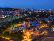 Tbilisi la Géorgie Vue supérieure scénique des bâtiments lumineux de l'aba Images libres de droits