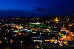 Tbilisi por noche Foto de archivo libre de regalías