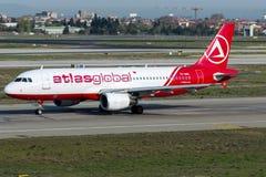 TC-ABL地图集全球性航空公司,空中客车A320 - 200 免版税库存图片