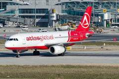 TC-AGO Atlas Global, Airbus A320-232 stock images