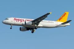 TC-DCJ Pegasus Airlines, Airbus A320-200 nomeado EZO Fotos de Stock
