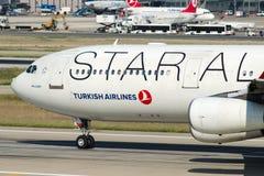 TC-JDL Turkish Airlines Aerobus A340-311 MALAZGIRT Obraz Stock