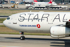 Tc-JDL Turkish Airlines-Luchtbus A340-311 MALAZGIRT Stock Afbeelding