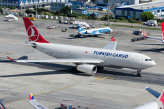 Tc-JDP Turkish Airlines-Ladingsluchtbus A330-243F Royalty-vrije Stock Afbeelding