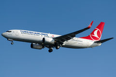 TC-JFK Turkish Airlines, Boeing 737-8F2 som namnges ZONGULDAK Royaltyfria Foton