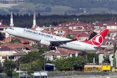 TC-JFU Turkish Airlines Боинг 737-8F2 ELAZIG Стоковое фото RF